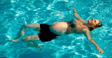 ejercicios para embarazadas mar o piscina
